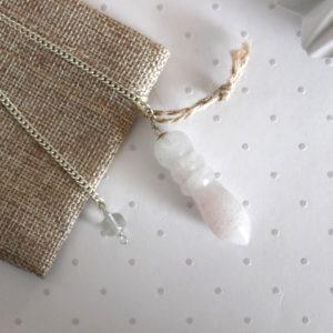 pendule égyptien quartz laiteux girasol