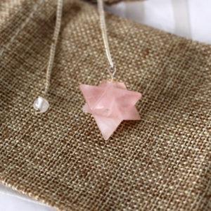 pendule quartz rose merkaba