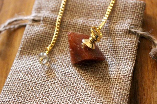aventurine rouge pendule divinatoire pyramide