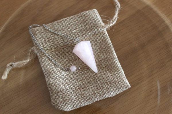 pendule cône facettes quartz rose