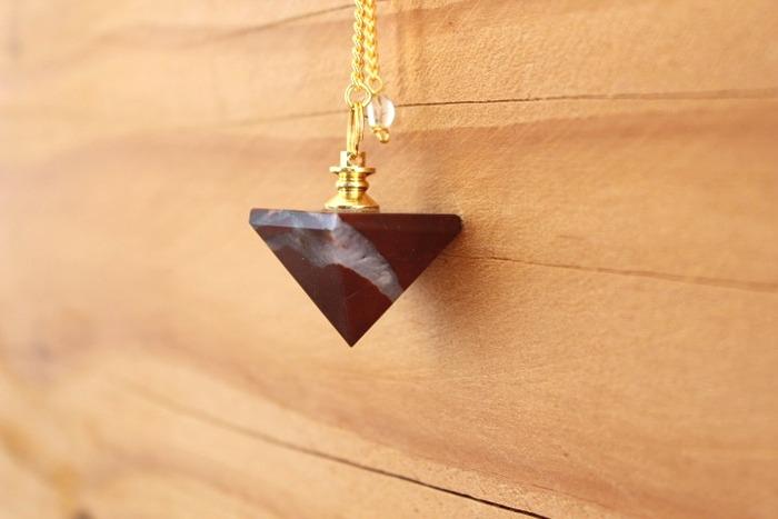 Pendule Pyramide Jaspe Le Monde Du Pendule