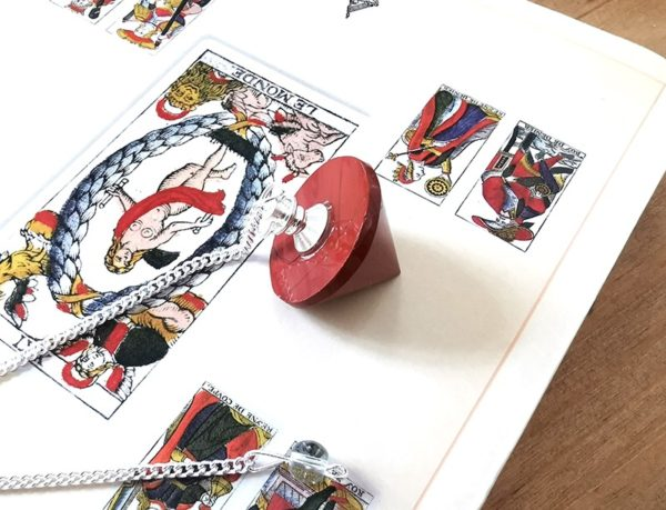 pendule-divinatoire-cone-jaspe-rougependule-divinatoire-cone-jaspe-rouge