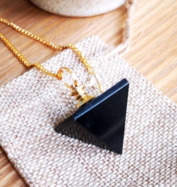 pendule-divinatoire-obsidienne-pyramide