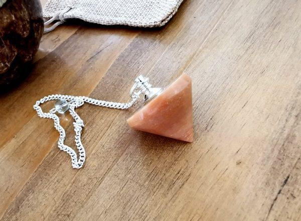 pendule-divinatoire-pierre-de-lune-orange-cone