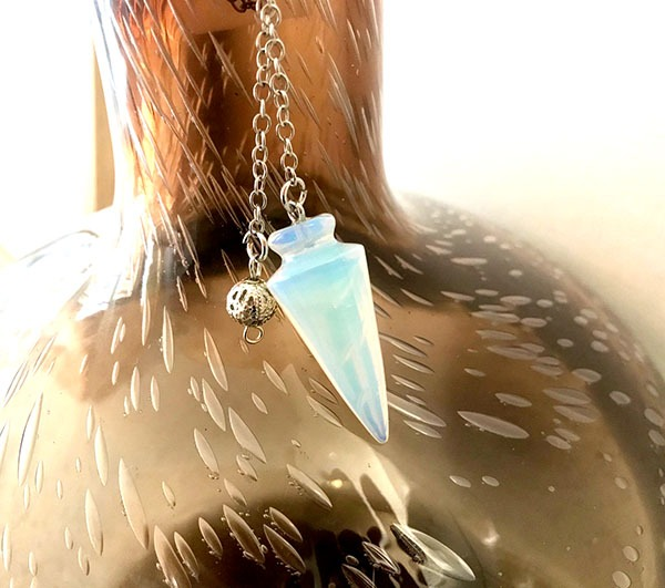 pendule-medium-opalite