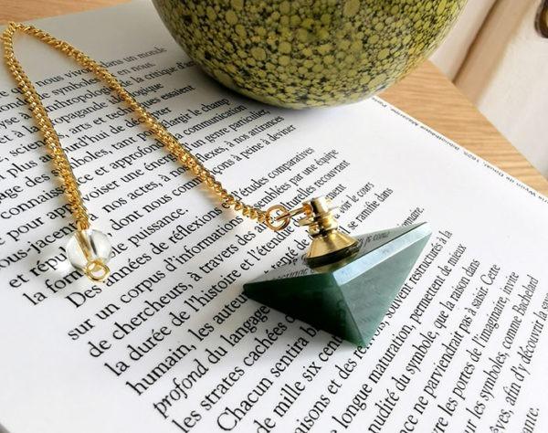 pendule-pyramide-jaspe-vert-radiesthesie