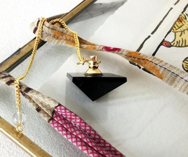 pendule-pyramide-obsidienne-divinatoirependule-pyramide-obsidienne-divinatoire